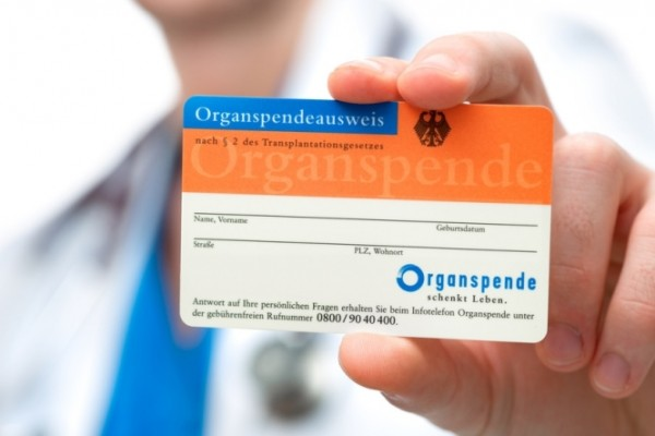 Die Bereitschaft zur Organspende und Gewebespende kann auf einem Organspendeausweis dokumentiert werden.