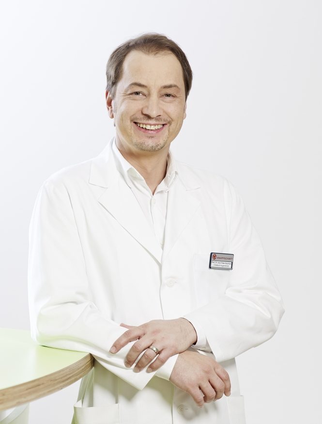 Prof. Dr. Peter Szurman, Chef der Augenklinik Sulzbach und der Gewebebank Saar.